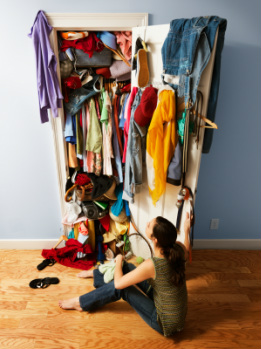 wardrobe decluttering and organisation